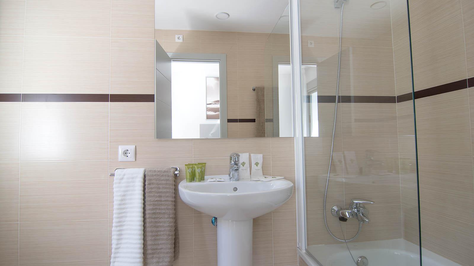 Apartamentos Conil Park 3 habitaciones Baño 1