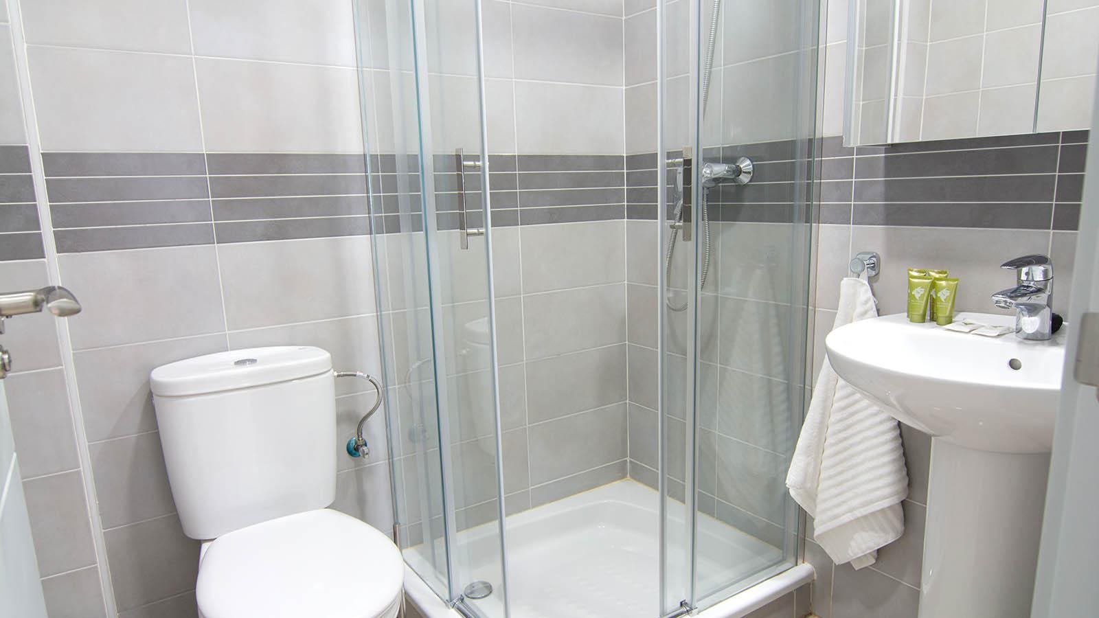Apartamentos Conil Park 3 habitaciones Baño 2